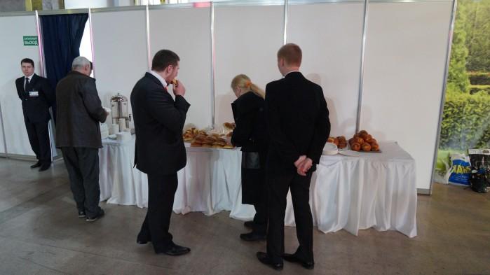 пирожки на столе